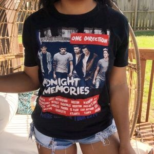 Tops - One Direction Midnight Memories Concert Band Tee